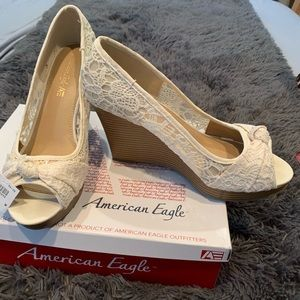 American Eagle ivory lace high wedges